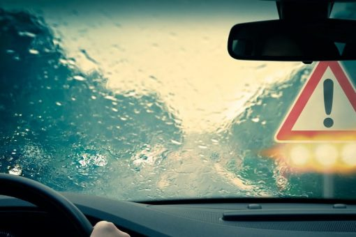 8 tips for driving in bad weather